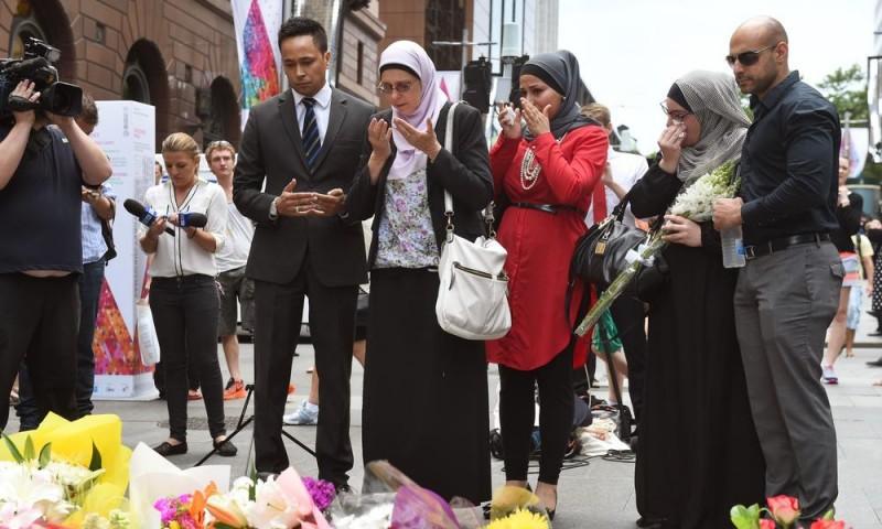 Representatives of the Muslim community