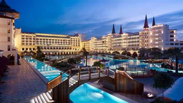 (แฟ้มภาพ วิวของโรงแรมเมอร์เดิร์นพลาส ในเมือง อันตัลยา ตุรกี )