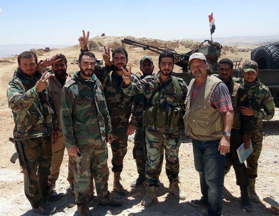 เฟอร์นันเดซ กับทหารกองทัพอาหรับซีเรีย